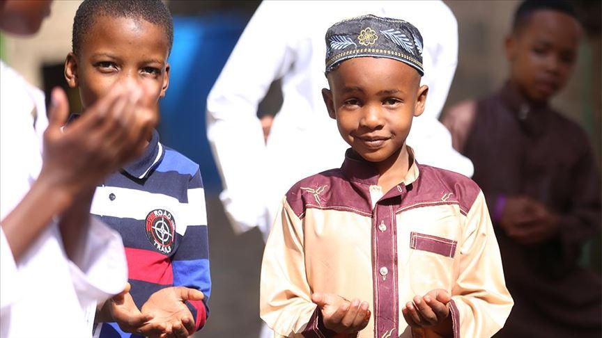 Kenyalılar Kovid-19 salgınına karşı 3 gün dua edecek