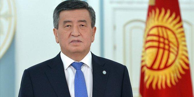 Kırgızistan Cumhurbaşkanı Ceenbekov, Bişkek'te olağanüstü hal ilan etti