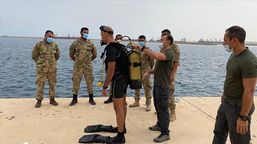 DKK personelinden Libyalı askerlere dalış eğitimi