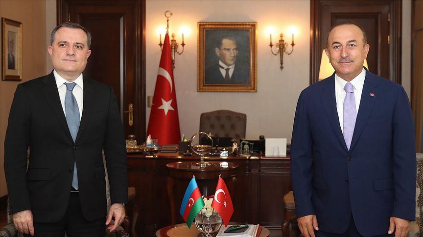 Çavuşoğlu Azerbaycanlı mevkidaşı Bayramov'la Yukarı Karabağ'ı görüştü