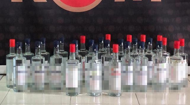 Çeşme'de 28 şişe etil alkol ele geçirildi