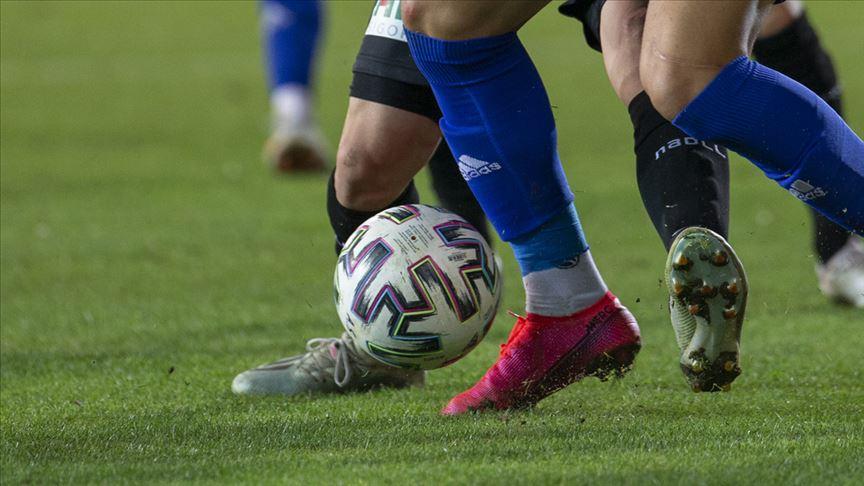 Ankaraspor'da 9'u futbolcu 16 kişinin Kovid-19 testi pozitif çıktı