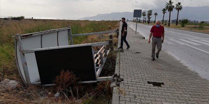 Antalya'da kuvvetli rüzgar ve dolu can aldı