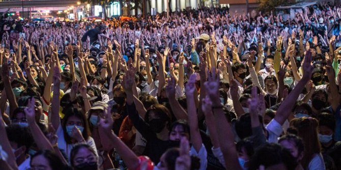 Tayland hükümeti protestolara karşı alınan OHAL kararını kaldırdı