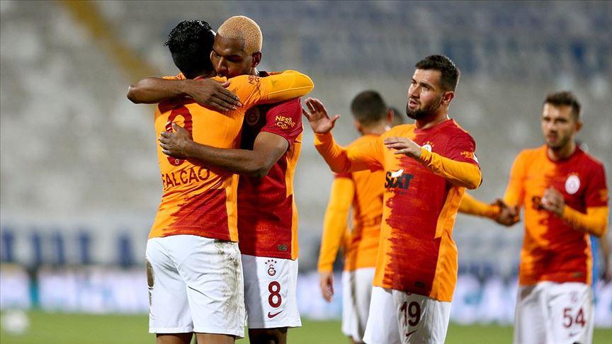 Galatasaray, Erzurumspor'u deplasmanda 2-1 yendi
