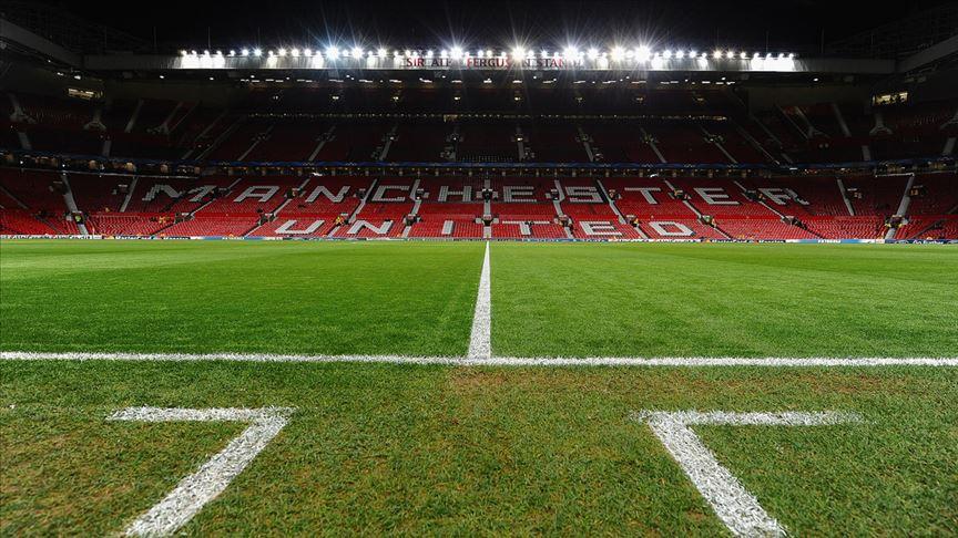 Manchester United, stadını 23 bin 500 taraftarı ağırlayabilecek şekilde düzenledi