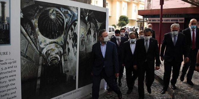 İstanbul Valisi Yerlikaya, açılışa hazırlanan Kariye Camisi'nde incelemede bulundu