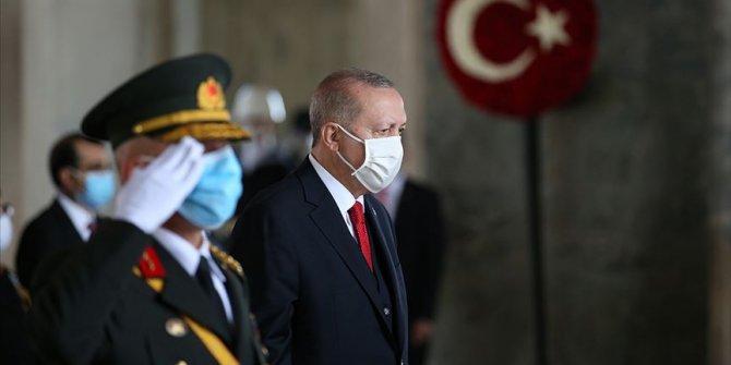 Cumhurbaşkanı Erdoğan: Türkiye her alanda başarıdan başarıya koşmaktadır