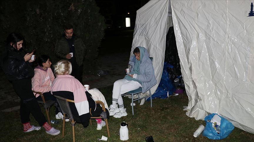 AFAD: Depremzedeler için gıda kolisi ve battaniyeye ihtiyaç var