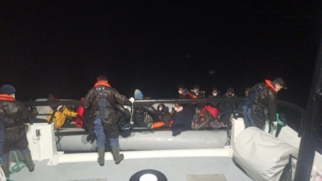 Yunanistan'ın ölüme terk ettiği 34 sığınmacı kurtarıldı
