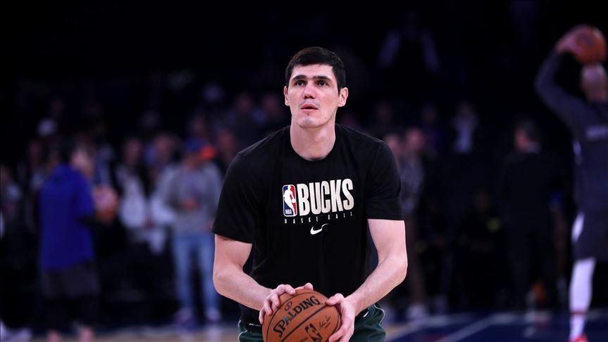 Milwaukee Bucks, milli basketbolcu Ersan İlyasova'yı serbest bıraktı