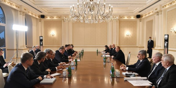 Rus heyeti Azerbaycan'da temaslarda bulundu