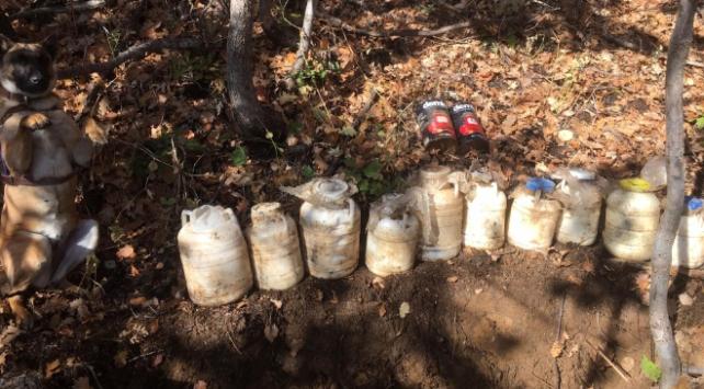 Bitlis'te teröristlerin kullandığı yaşam malzemesi ele geçirildi