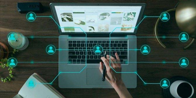 Dijital değişime ayak uyduramayan kurumlar kaybolacak