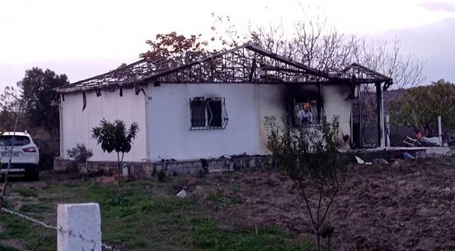İstanbul'da bir evde çıkan yangında 2 kardeş hayatını kaybetti