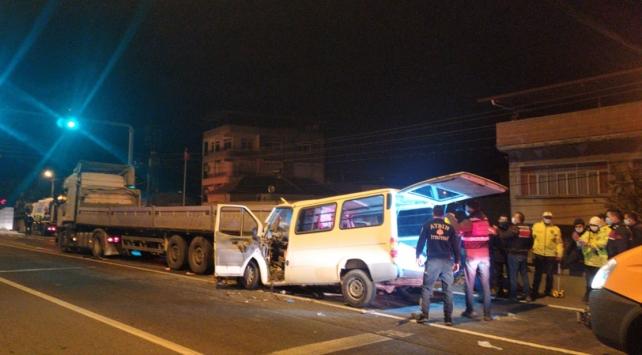 Aydın'da tırla minibüs çarpıştı: 1 ölü, 2 yaralı