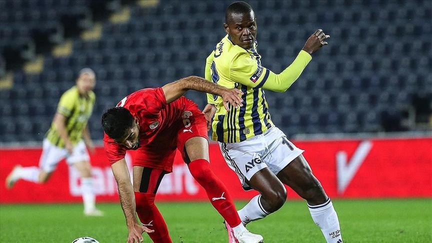 Fenerbahçe'de Samatta'nın tedavisine başlandı