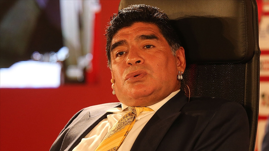 Maradona'nın vefatı İtalyan basınında: Hoşça kal 10 numara
