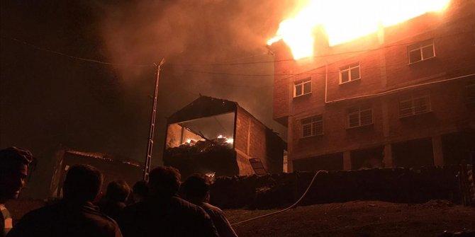 Trabzon'un Araklı ilçesindeki yangın kontrol altına alındı