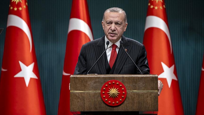 Erdoğan'dan sert sözler: Kendi çirkinlikleriyle baş başa bırakıyoruz