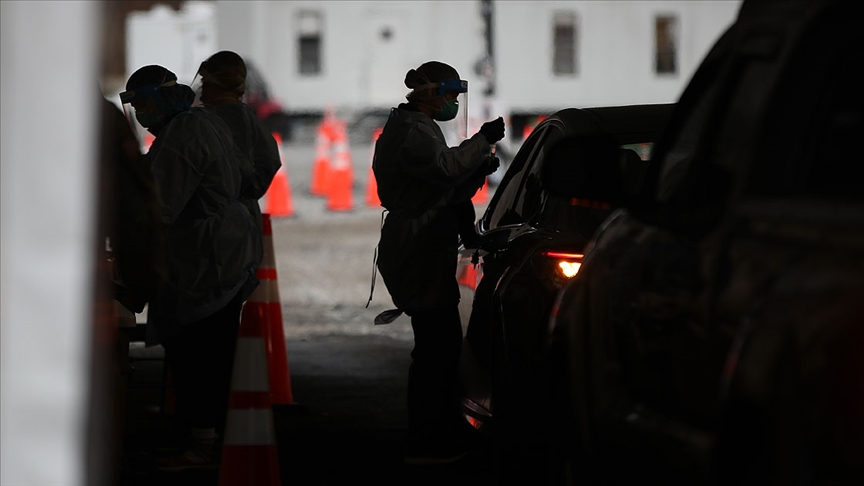 ABD'de Kovid-19'dan ölenlerin sayısı hızla artıyor