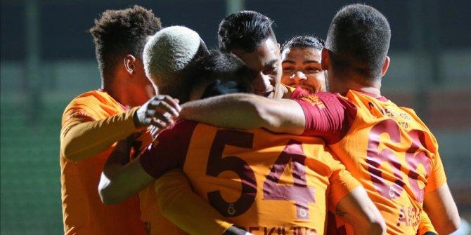 Galatasaray zorlu deplasmandan galibiyetle döndü
