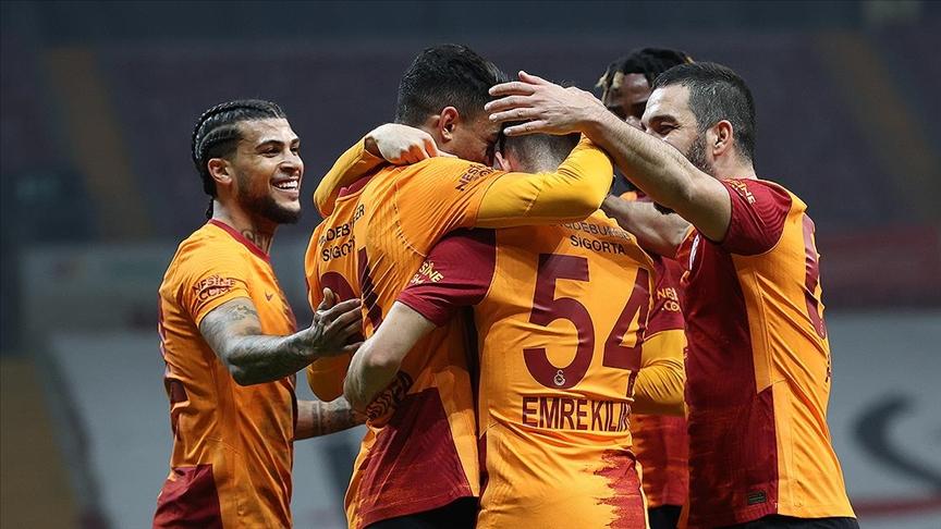 Lider Galatasaray hata yapmadı
