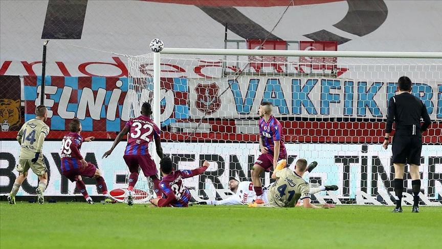 Trabzon'dan Fenerbahçe 3 puan ile döndü