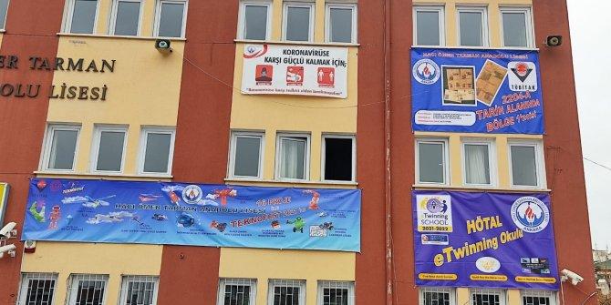 """Hacı Ömer Tarman Anadolu Lisesi """"Youth Has The Midas Touch"""" E Twinning Projesini Başarıyla Yürütüyor"""
