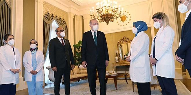 Erdoğan, sağlık çalışanlarıyla bir araya geldi
