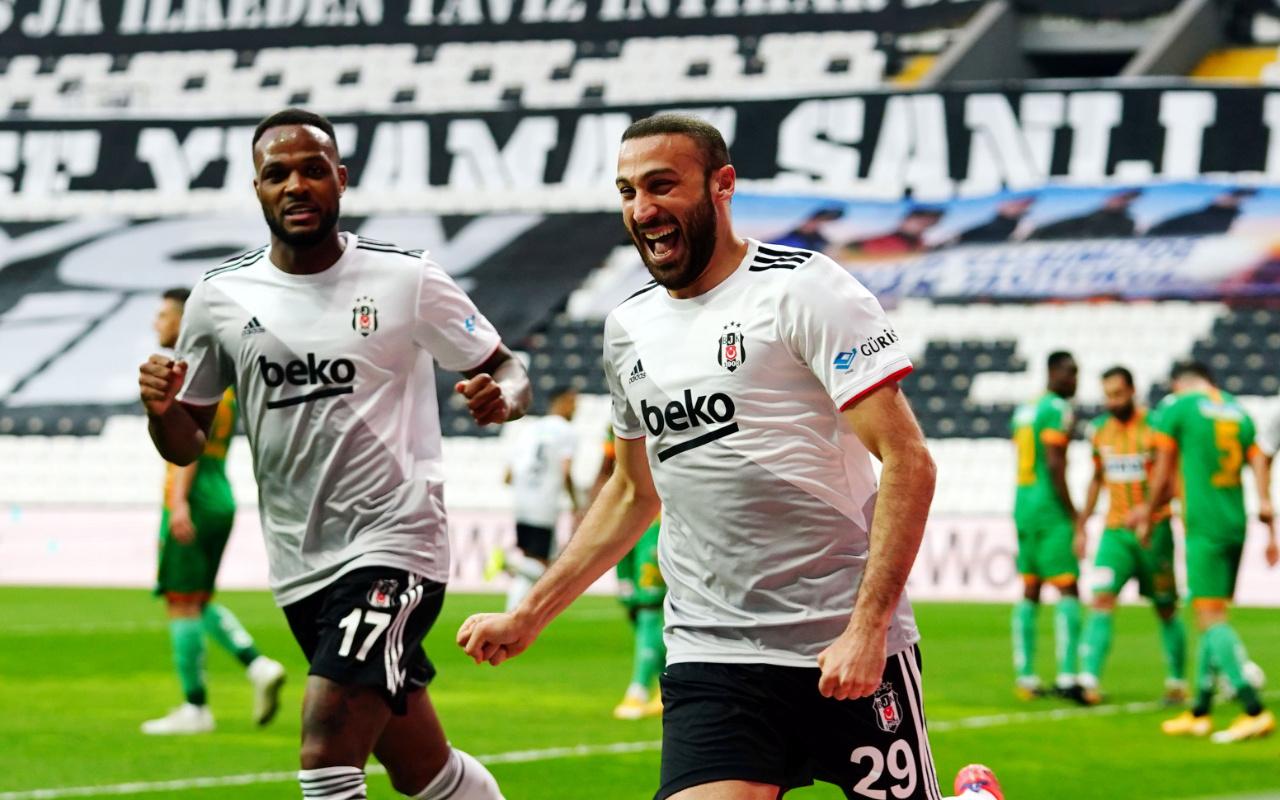 Beşiktaş, Alanyaspor'u 3 golle geçti