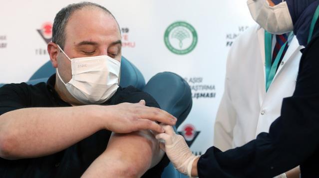 Varank, yerli aşının ilk dozunu yaptırdı
