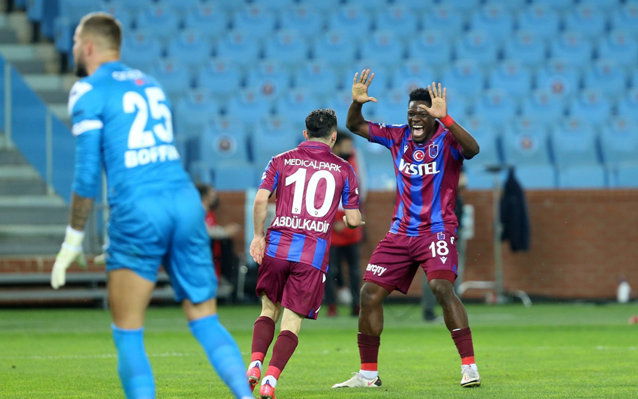 Trabzonspor, Antalyaspor'u iki golle geçti