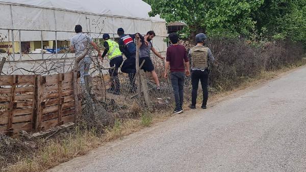 Kocaeli'de rehine krizi! Babasını öldürdü 3'ü jandarma 5 kişiyi vurdu
