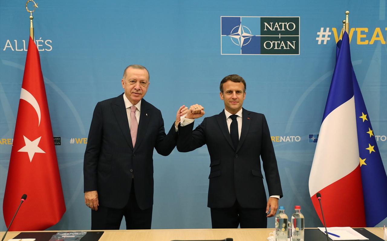 NATO zirvesinde Erdoğan, Fransa lideri Macron ile dirsek tokuşturdu