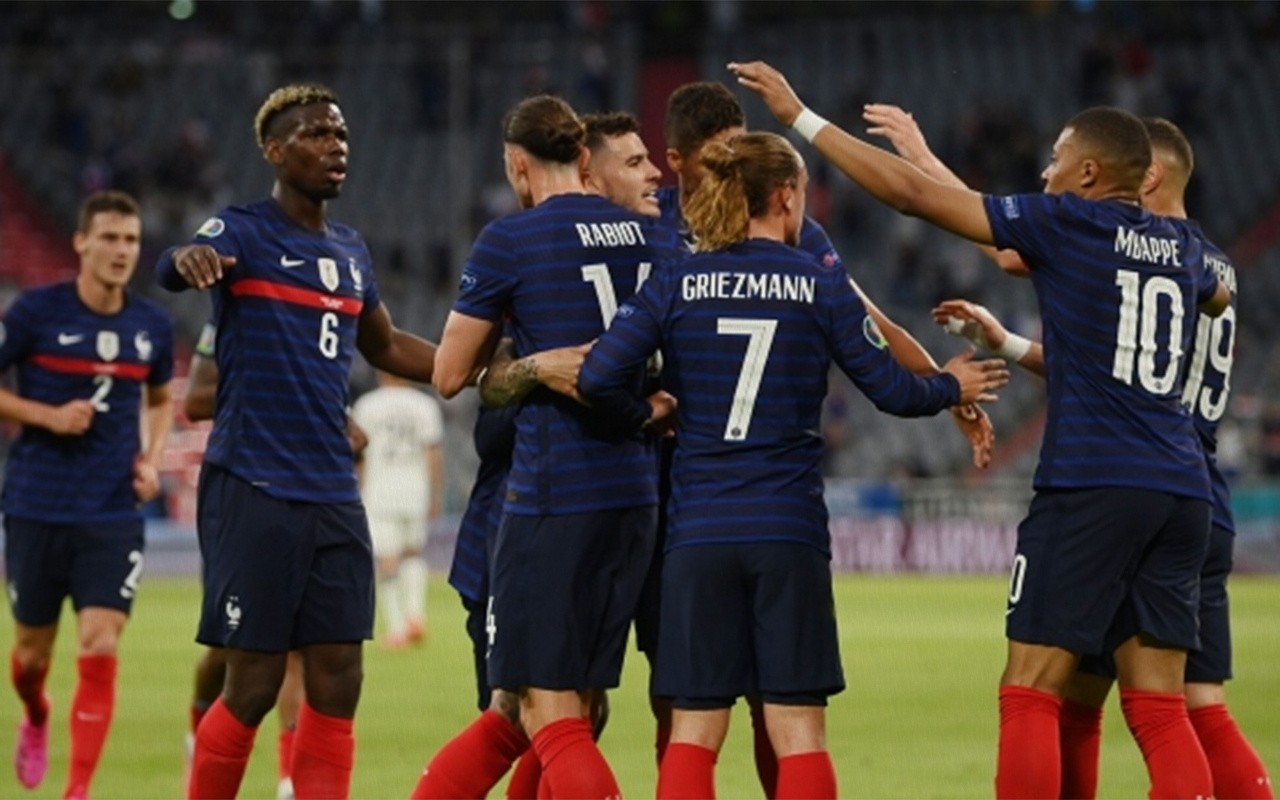 Almanya'dan Fransa'ya 3 puan hediyesi