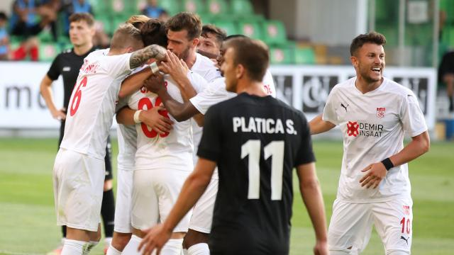 Sivasspor Moldova'dan avantajlı döndü