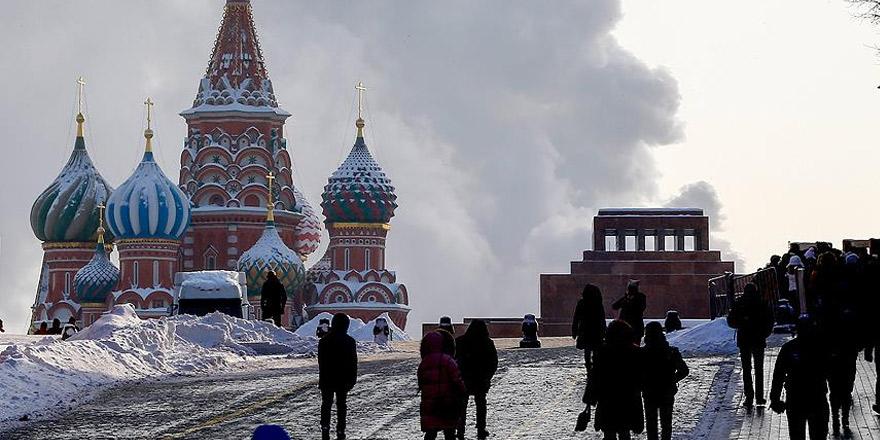 Moskova'da panik! Elçiliklere 'beyaz toz' içeren zarflar gönderildi