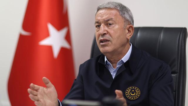 "Bakan Akar'dan Yunanistan'a ""diyalog"" çağrısı"