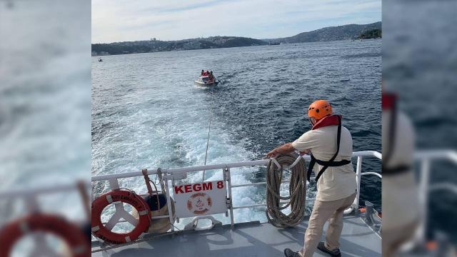 Beykoz açıklarında sürüklenen tekne kurtarıldı