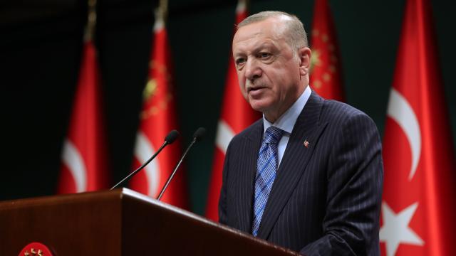Erdoğan: CHP, terör örgütünün oyuncağı HDP'ye teslim oldu