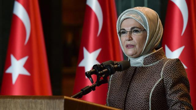 """Emine Erdoğan'dan """"Dünya Kız Çocukları Günü"""" paylaşımı"""