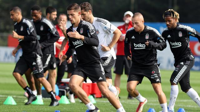 Beşiktaş'ta üç oyuncu 11'e dönüyor