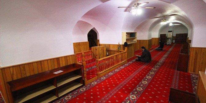 İstanbul'da Kaç Sahabi Kabri Var? Kaçı Yeraltı Camii'nde?