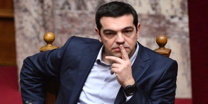 İstanbul kadar nüfusu olan Yunanistan yine oyun peşinde