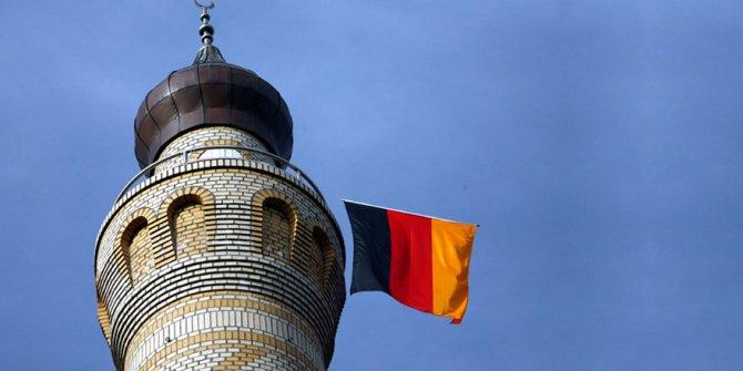 Alman hükümeti cami saldırılarına sessiz