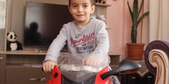 4 yaşındaki Selçuk Aygün beynindeki 8 tümörle savaşıyor