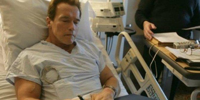 """""""Terminatör"""" lakaplı Schwarzenegger açık kalp ameliyatı geçirdi"""
