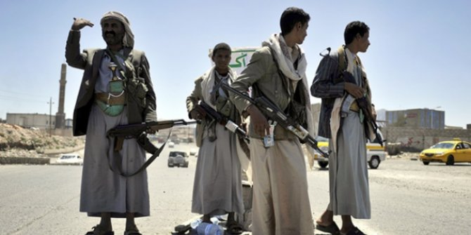 Husiler'den Suudi Arabistan'a ait petrol tankerine saldırı
