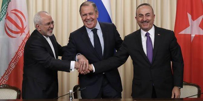 Üçlü zirveden sonra Rusya'dan vize açıklaması!